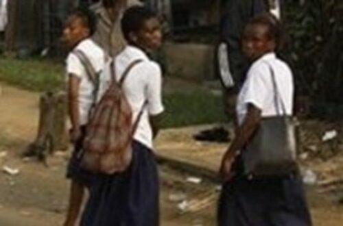 Article : Cote d'Ivoire: Il est demandé aux élèves filles de se couper les cheveux